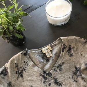 Neiman Marcus 100% cashmere sweater